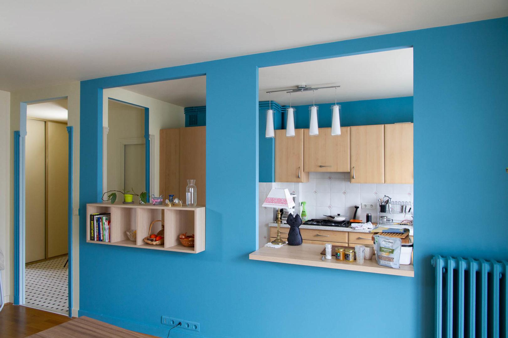Appartement rénové avec mise en couleurs par la Fabrique Geneviève Naudin
